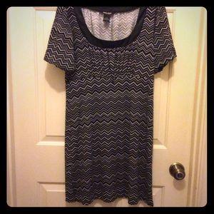 Guess Jeans L black white chevron bubble slv dress